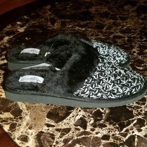 Shoes - Brand New Fuzzy Slippers!